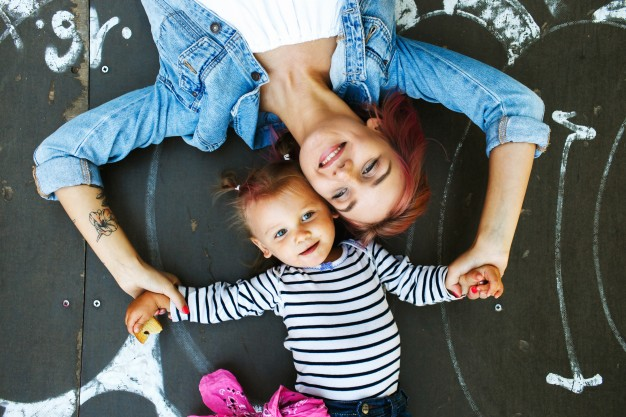 A FEW SIMPLE TIPS TO HELP MOMS STAY HEALTHY AND HAPPY