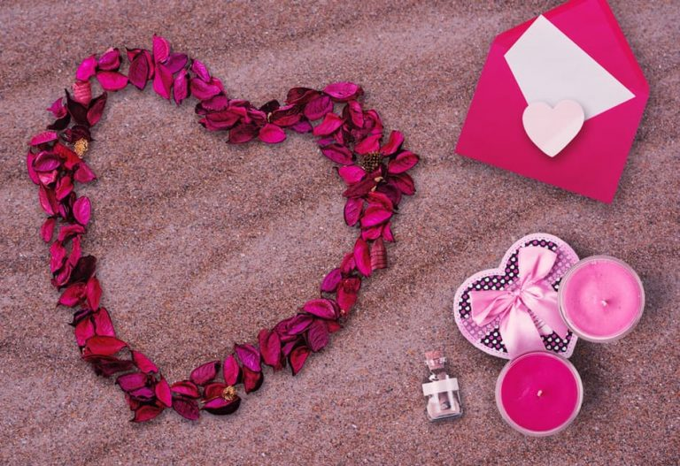 FEW SIMPLE WAYS TO SURPRISE YOUR BELOVED ONE ON THE ST. VALENTINE'S DAY